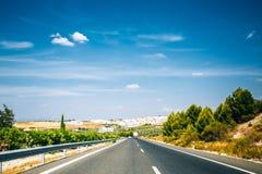 美丽的沥青高速公路,机动车路,高速公路开放路 旅行R 免版税库存图片