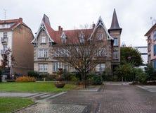 美丽的法国房地产大厦房子在法国 免版税库存照片