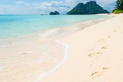 美丽的海岛在热带纬度 库存照片