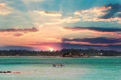 2007美丽的海岛横向mindanao菲律宾生动描述被采取的热带 图库摄影