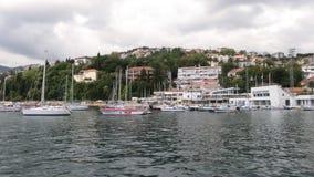 美丽的海湾在黑山 亚得里亚海 游艇和小船 库存图片