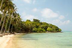 美丽的海湾用清楚的水在Karimunjawa 库存图片