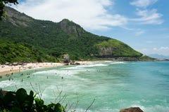 美丽的海滩在一清楚的好日子 库存照片