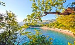 美丽的海滩,地中海(意大利) 免版税库存图片