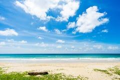 美丽的海运 海滩karon普吉岛泰国 聚会所 库存图片