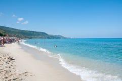 美丽的海滩zambrone一个小镇在卡拉布里亚 库存图片