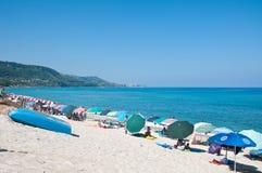 美丽的海滩zambrone一个小镇在卡拉布里亚 免版税库存照片