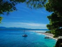 美丽的海滩Zlatni鼠-金黄海角在克罗地亚 图库摄影