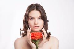 美丽的深色的妇女纵向有红色的上升了 库存照片