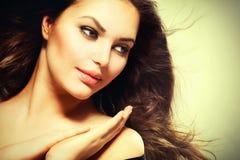 美丽的深色的妇女 库存照片