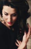 美丽的深色的妇女 图库摄影