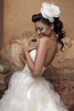 美丽的深色的新娘 免版税库存图片