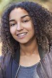美丽的混合的族种非裔美国人的女孩少年 免版税库存照片