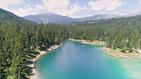 美丽的湖上升阿尔卑斯瑞士空中4k 股票录像