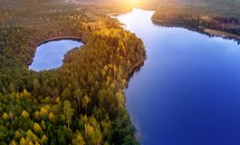 美丽的湖空中风景视图 免版税图库摄影