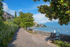 美丽的湖边散步gardone,garda湖,意大利 库存照片