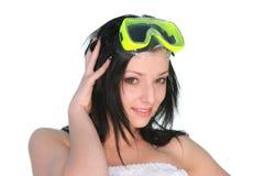 美丽的潜水女孩屏蔽年轻人 免版税库存图片