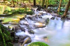 美丽的瀑布在密林发现了在泰国 Nakhon Si Thammarat 库存照片