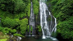 美丽的瀑布在巴厘岛,印度尼西亚 股票录像