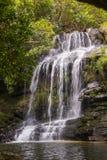 美丽的瀑布在晴天- Serra da Canastra全国Pa 图库摄影