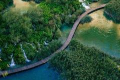 美丽的瀑布在Plitvice湖,克罗地亚的国家公园 免版税库存照片