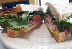 美丽的火腿三明治 免版税库存图片