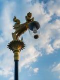 美丽的灯在蓝天下 图库摄影