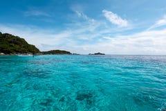 美丽的热带海滩有海视图,在Similan的净水我 免版税库存照片