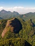 美丽的热带雨林山 免版税库存图片