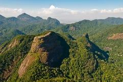 美丽的热带雨林山 库存图片