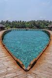 美丽的热带马尔代夫度假旅馆 免版税库存图片