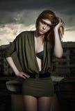 美丽的照片红头发人妇女 免版税图库摄影