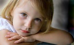 美丽的特写镜头注视女孩 免版税库存图片