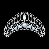 美丽的王冠,冠,有珍珠的冠状头饰女性 图库摄影