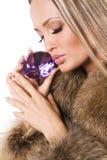 美丽的珠宝珍贵的妇女 免版税库存照片