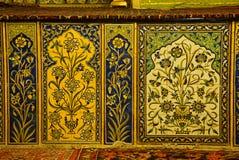美丽的瓦片在Vank大教堂,伊斯法罕,伊朗里 免版税库存照片