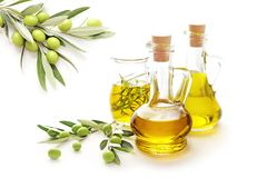 美丽的瓶穿戴的油橄榄香料