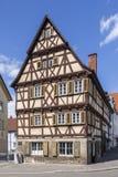 美丽的用木材建造的房子在辛德尔芬根德国 免版税库存图片