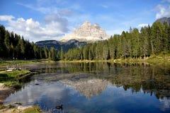 美丽的白云岩湖横向misurina 免版税库存图片