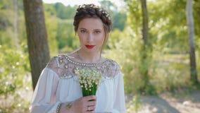 美丽的白种人新娘画象  股票视频