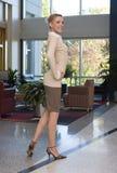 美丽的白肤金发的女商人 图库摄影