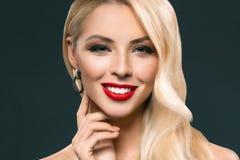 美丽的白肤金发的女孩画象有构成的 图库摄影