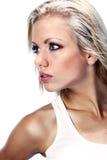 美丽的白肤金发的女孩纵向 免版税库存照片