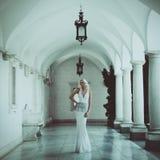 美丽的白肤金发的妇女。时尚 图库摄影