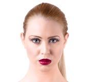 美丽的白肤金发的妇女纵向 免版税库存照片