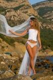 美丽的白肤金发的新娘 免版税库存照片