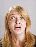 美丽的白肤金发的方式女孩纵向 库存图片