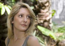美丽的白肤金发的白种人少妇 库存图片