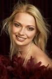 美丽的白肤金发的纵向妇女年轻人 库存照片