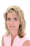 美丽的白肤金发的蓝眼睛头发妇女 免版税库存图片